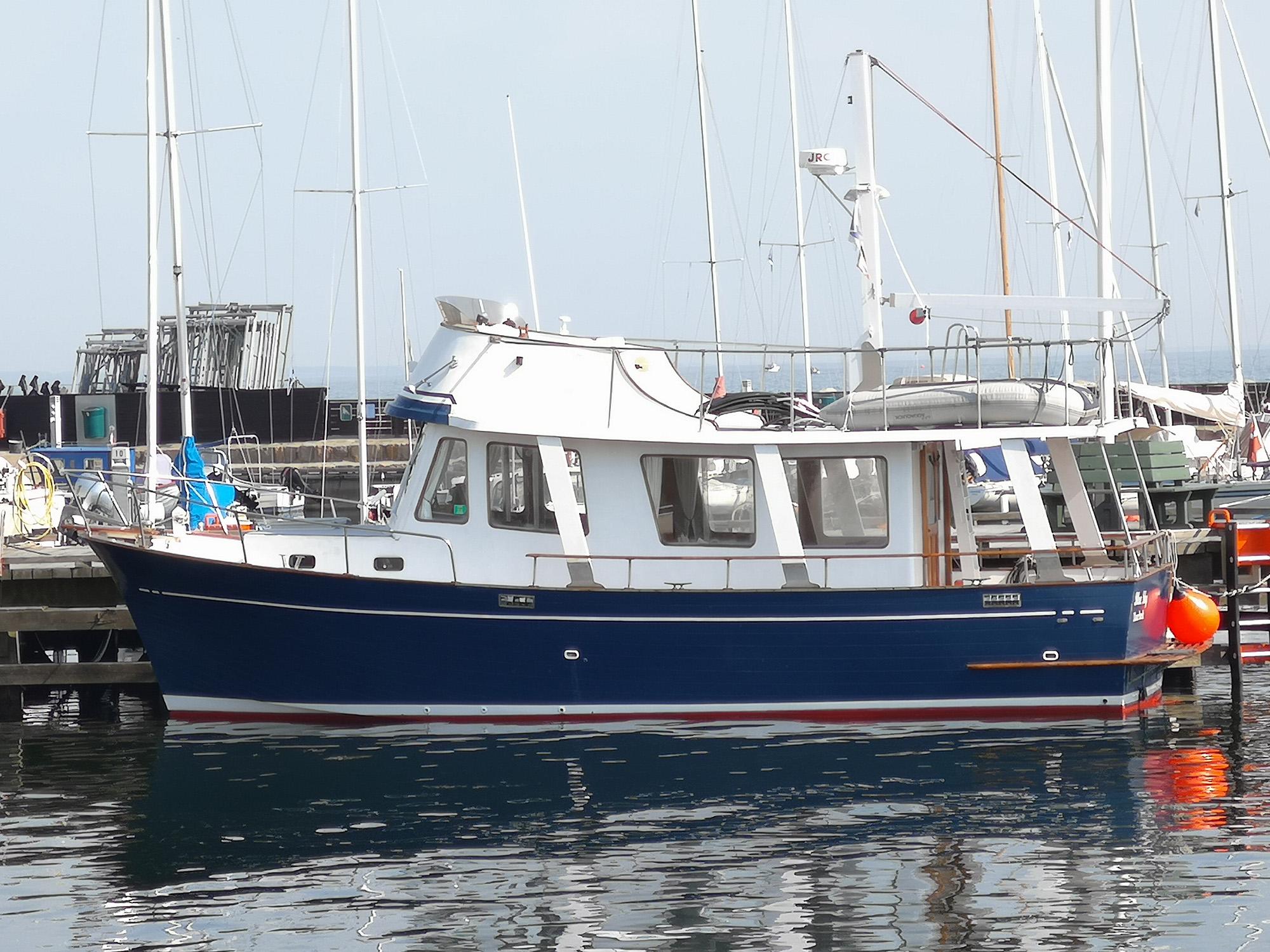 Marine Trader 34 Sedan